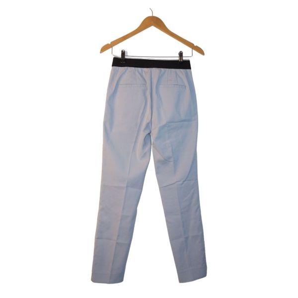 Calças azuis claras de vinco - reCloset roupa em segunda mão