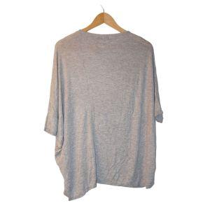Camisola de malha cinzenta - reCloset roupa em segunda mão