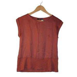 T-shirt acetinada rosa velho - reCloset roupa em segunda mão