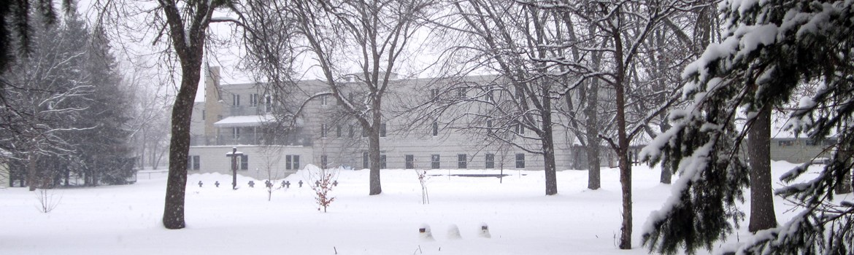 monastère hiver derrière