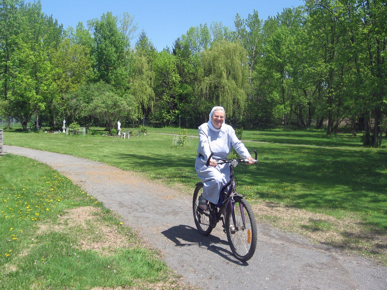 soeur en bicyclette