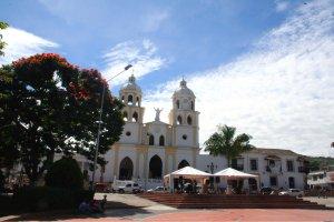 Die Plaza mit der Iglesia San Juan Bautista