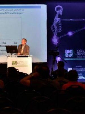 Josef Smolen, professor da Universidade Médica de Viena, fala sobre artrite reumatoide