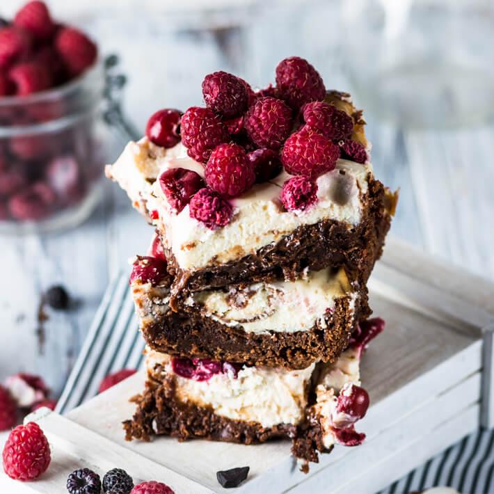 Keto Chocolate Brownie Cheesecake Squares