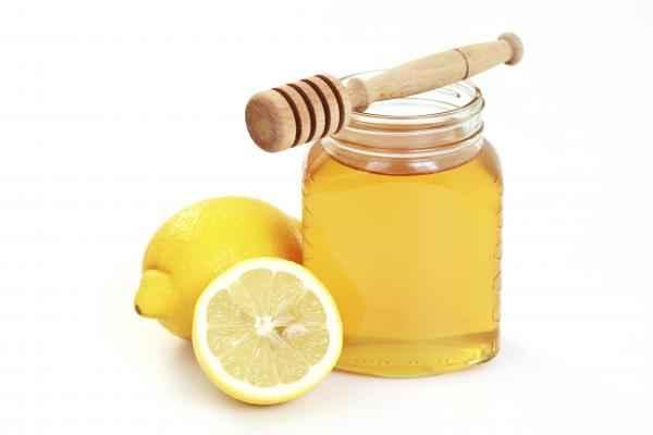 miel-y-limon-para-el-dolor-de-garganta-es-efectivo