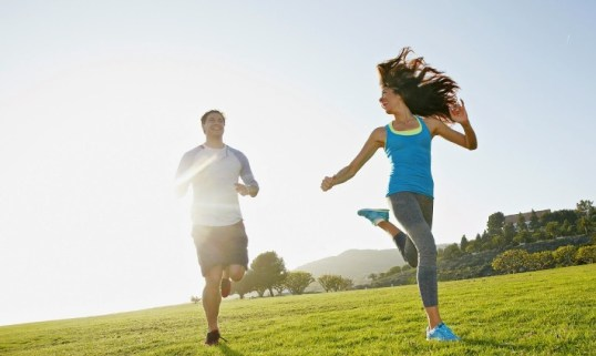 COUPLE-RUNNING