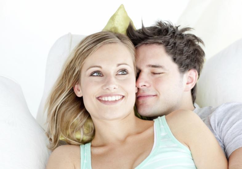 10 hábitos de casais felizes. O #6 é o mais importante de todos.