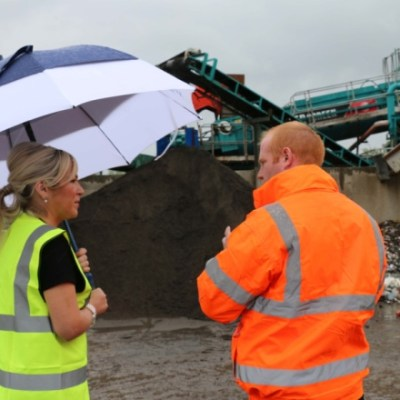 Minister O'Neill visits innovative waste management project