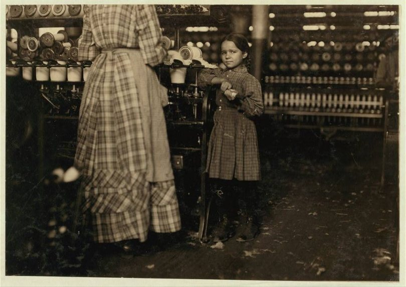 lewis hine cottown mill child workers