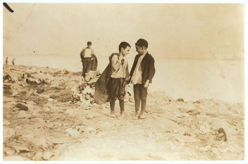 lewis hine garbage dump child workers