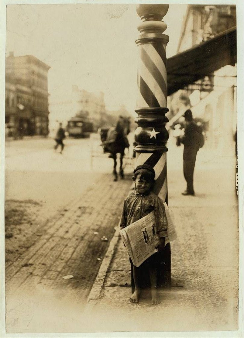 lewis hine shaver newspaper boy 1908