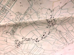 Q/RI 45a-b Enlargement showing the village of Eyam Enclosure Map, 1812