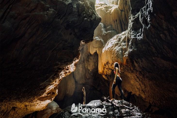 Cuevas de Bayano. Foto Jackson Groves.
