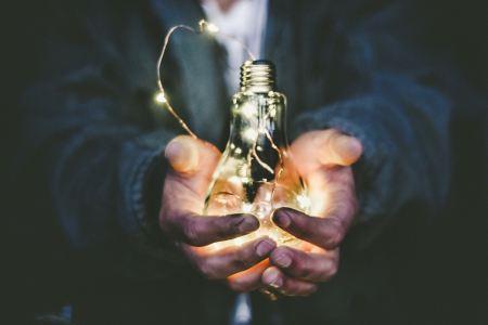 riccardo annandale lightbulb