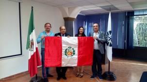 Mtro. Stéphane Thys, Mtro. Felipe Henríquez, Mtra. Jasmín Vásquez y Rector Francisco Javier Espinosa