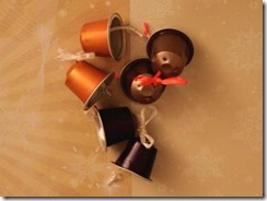 11_capsules_nespresso_recyclage_deco_noel_cloches