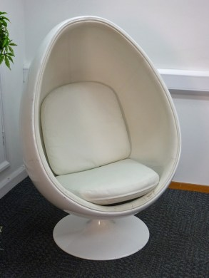 White egg pod chair  Inspired by Eero Aarnio ball chair    Recycled     White egg pod chair  Inspired by Eero Aarnio ball chair