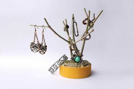 How To Make A Tree Branch Jewelry Holder Recycled Crafts