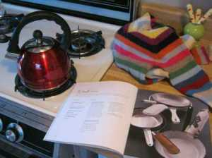 recycled-sweater-teapot-handle-cozy
