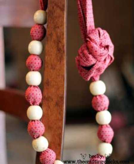 red-necktie-necklace-finish