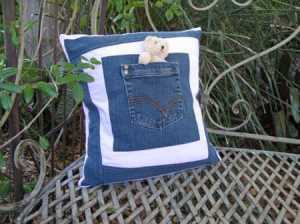 pocket_cushion_for_toy_jeans