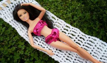 How to make a crocheted Barbie hammock