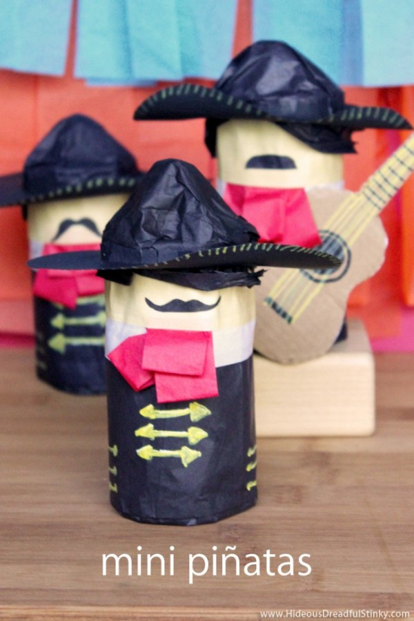 mini-pinatas-mariachi-title-650x974