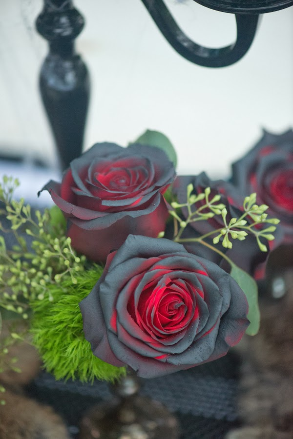Alternative To Rose Garden: A Whole Bunch Of Pretty Ideas For Elegant Halloween