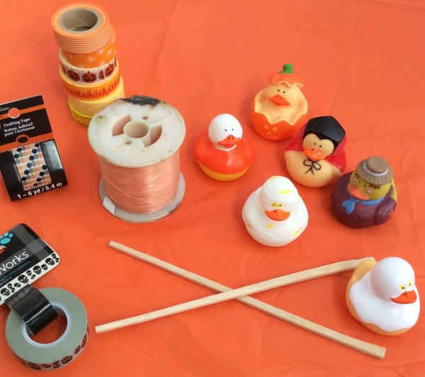 halloween-rubber-ducky-fishing-game