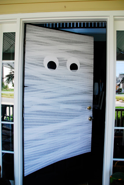 Attractive How To Decorate Your Front Door Like A Mummy For Halloween U2013 Recycled Crafts Good Ideas