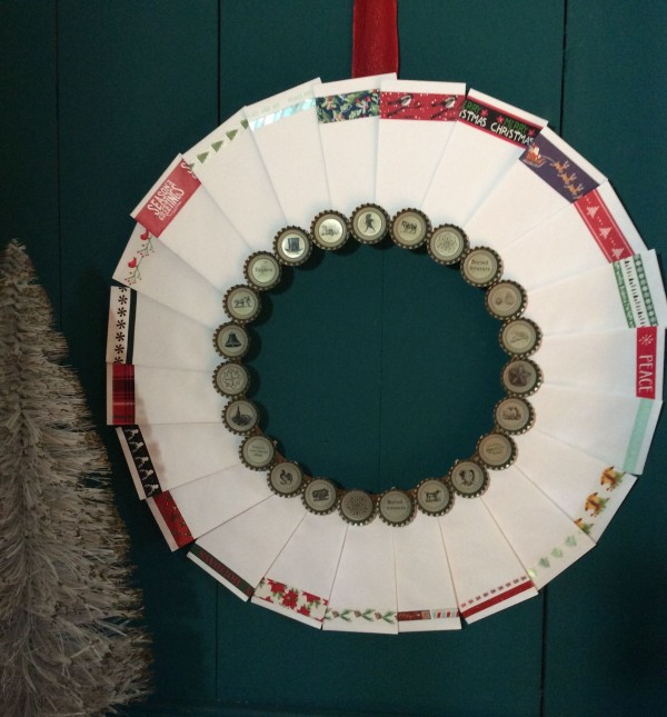 bottle-cap-countdown-clothes-pin-wreath