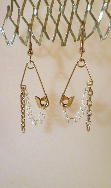 How to make recycled safety pin earrrings