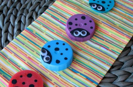How to make recycled lid ladybugs