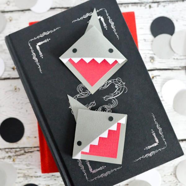 How to make a shark bookmark
