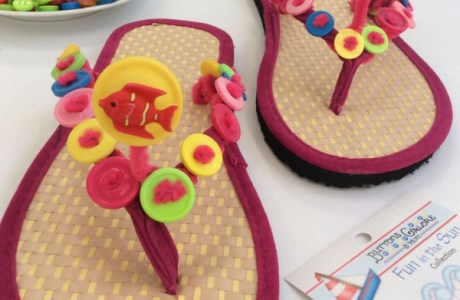 How to make bouncing button flip-flops for the summer