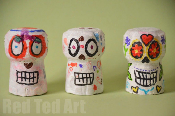 Cute Day of the Dead skulls