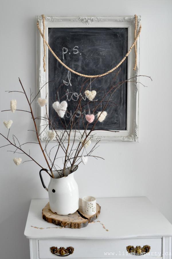 How to make and display yarn hearts