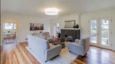 Home Staging Mid Century Bright