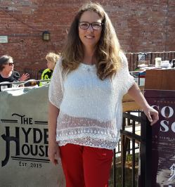 Jill is a workaholic who also owns the Hyde House Restaurant in Hyde Park with her 3 children.