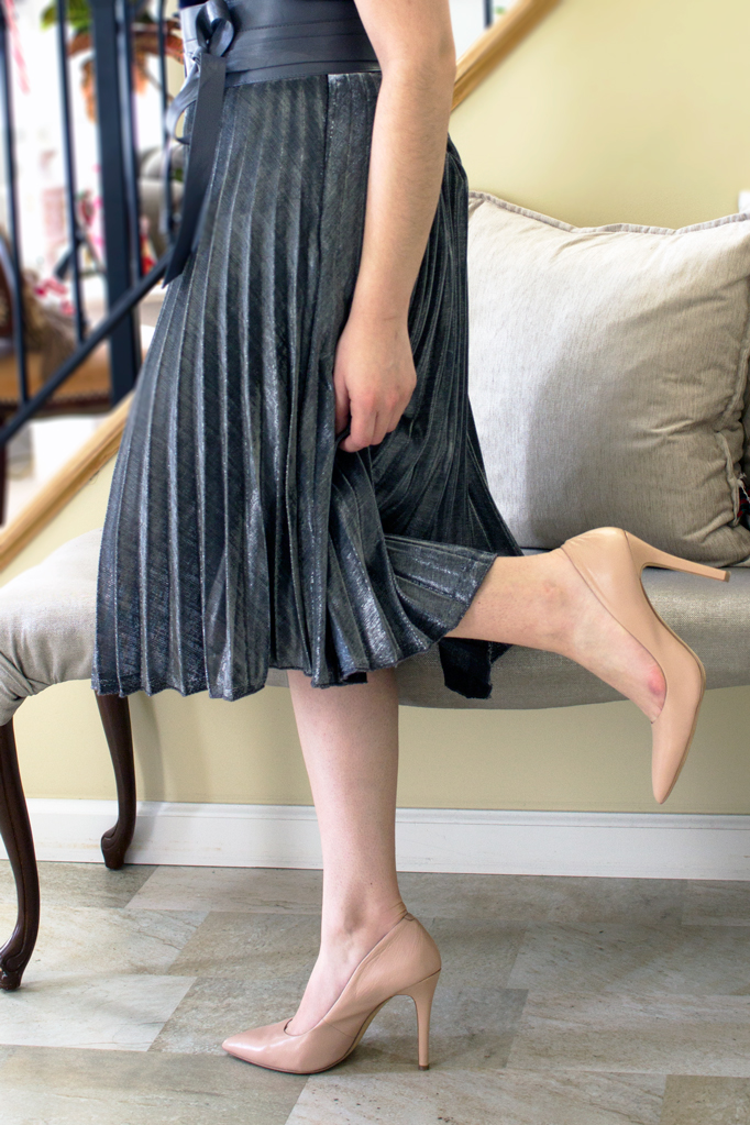 Holiday Style: The Silver Pleated Metallic Skirt