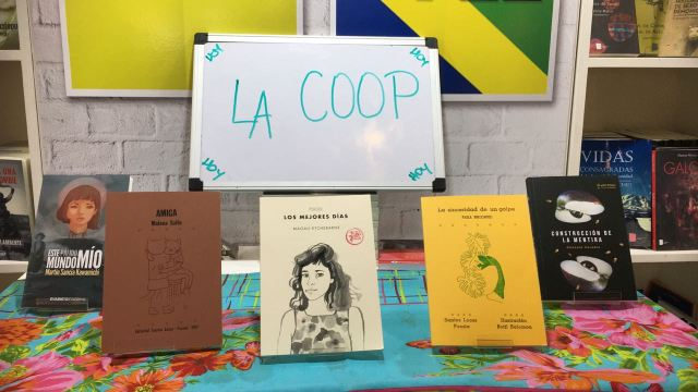 Los libros más vendidos del stand de La Coop, que reúne 39 editoriales.
