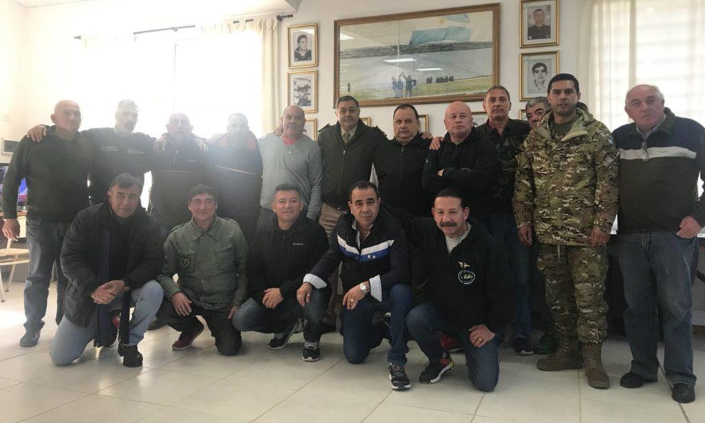 Veteranos en el Centro de las Fuerzas Armadas, luego de un encuentro. | Foto: Gentileza teniente coronel Marcelo Pollicino.