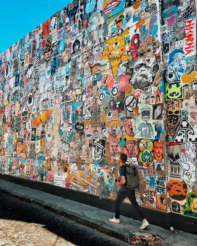 Un paredón en pleno palermo, intervenido por más de 200 artistas del paste up. | Foto: BA Paste Up