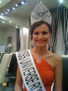 Larisa Popa a fost aleasa Miss Univers Romania 2011.