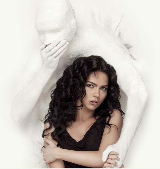INNA - VIDEOCLIP ENDLESS & CAMPANIA BRING THE SUN IN MY LIFE