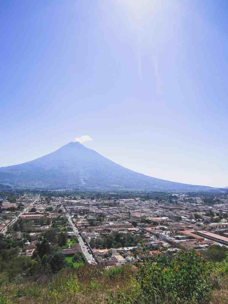 cerro de la cruz antigua guatemala