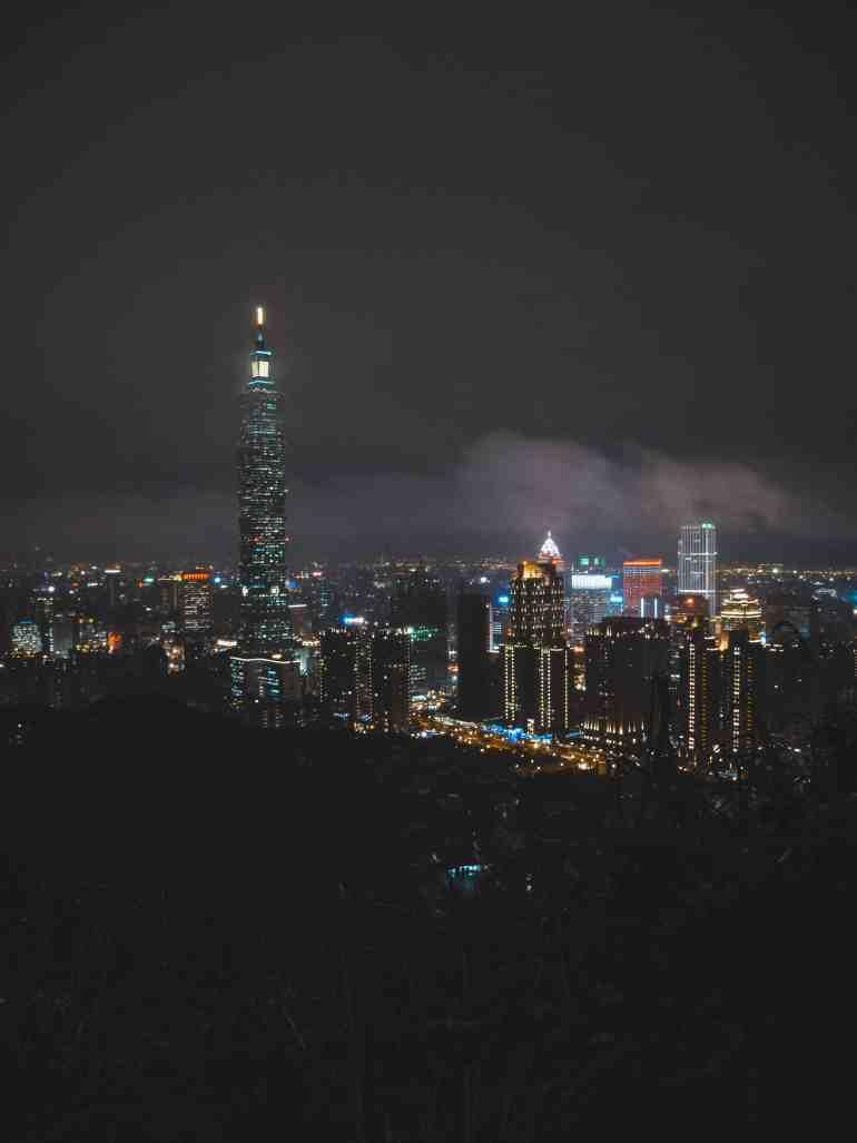 Taipei 101 from elephant mountain in taipei taiwan