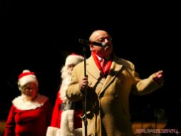 Holiday Express Concert Town Lighting 9 of 150