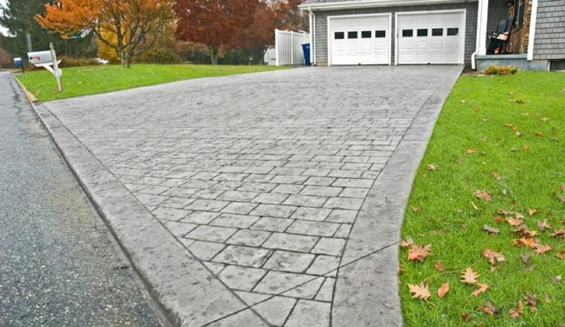 //redbeard-concrete.com/wp-content/uploads/2020/01/Driveway-3.jpg