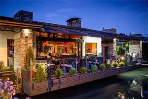 floating restaurants on river Sava